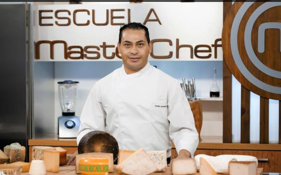 Chef Edwin Rodríguez en la cocina de Master Chef España