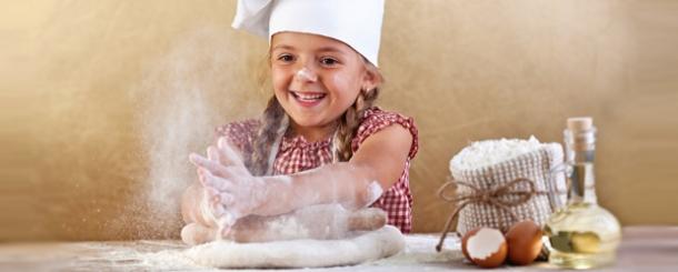 Acividades para ni os kitchen community - Nina cocinando ...